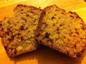 Dietitian UK: Bezgluten Banana, date, walnut and yoghurt cake.