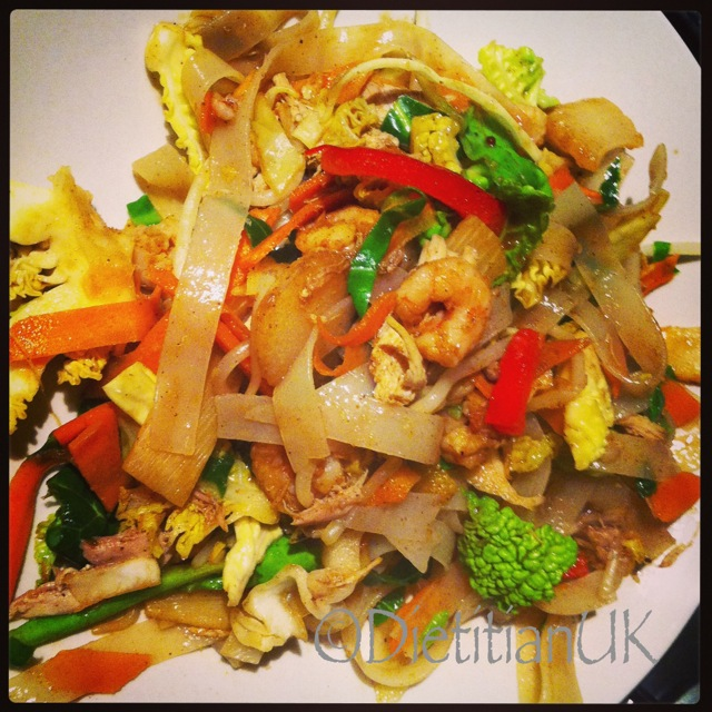 Dietitian UK: Healthy Singapore Noodles