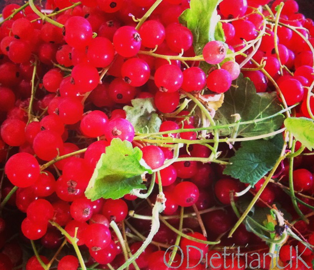 Dietitian UK: Redcurrants from our Garden