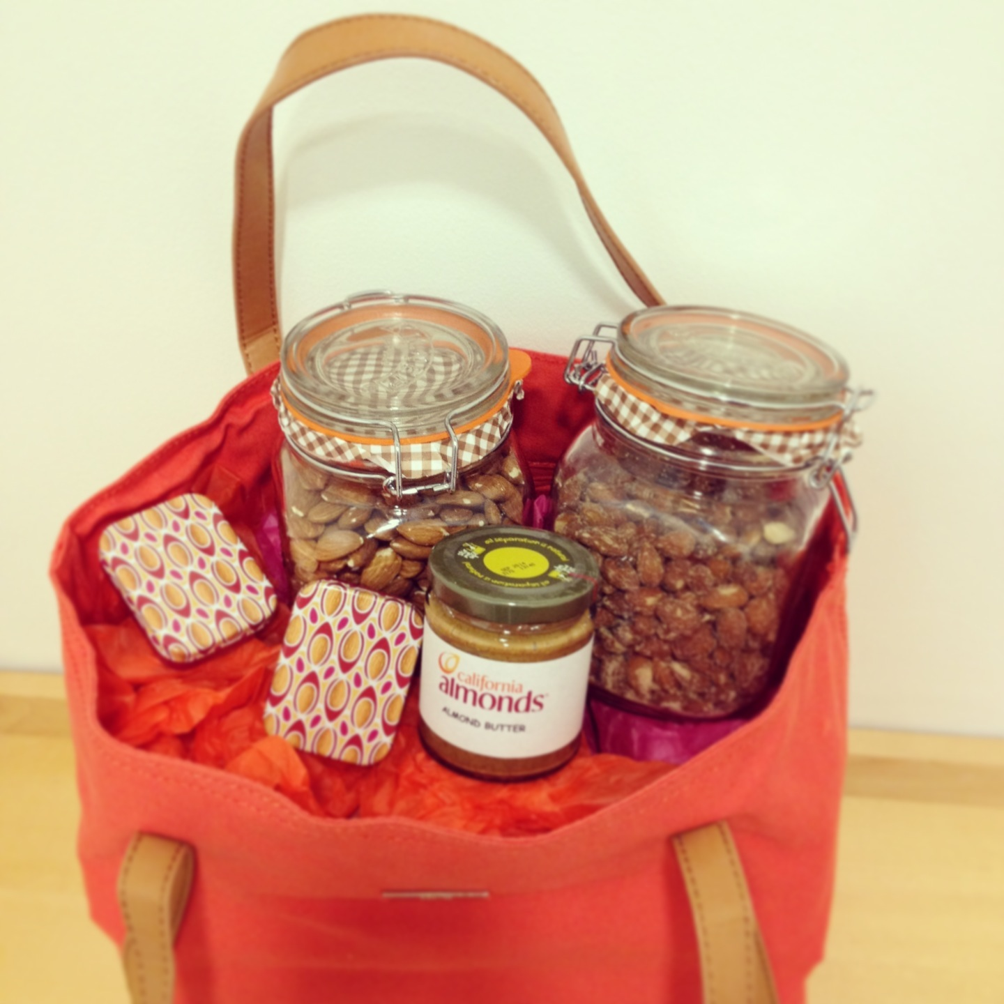 Dietitian UK: Almond Hamper Giveaway
