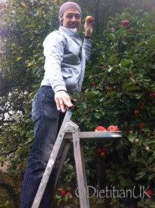 Dietitian UK: James picks apples
