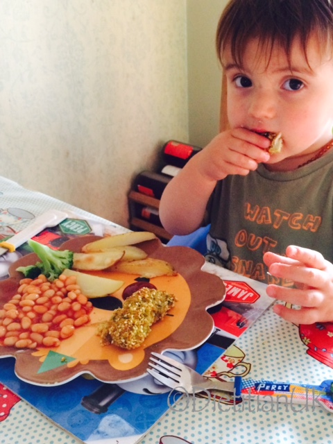 Dietitian UK: J Boy eat Broccoli fish fingers
