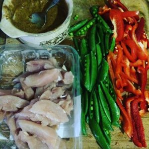 Dietitian UK: Satay chicken stirfry 1